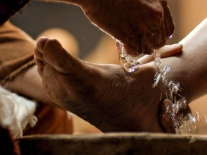 -jesus-washes-feet