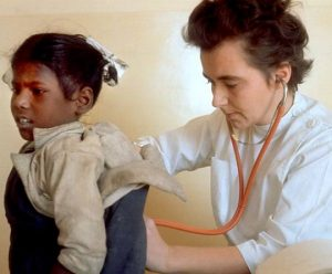 Dr. Ruth Pfau with child patient